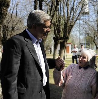 Julián Domínguez -Juana Orellanas, 91 años,habitante más anciana de Gouin.
